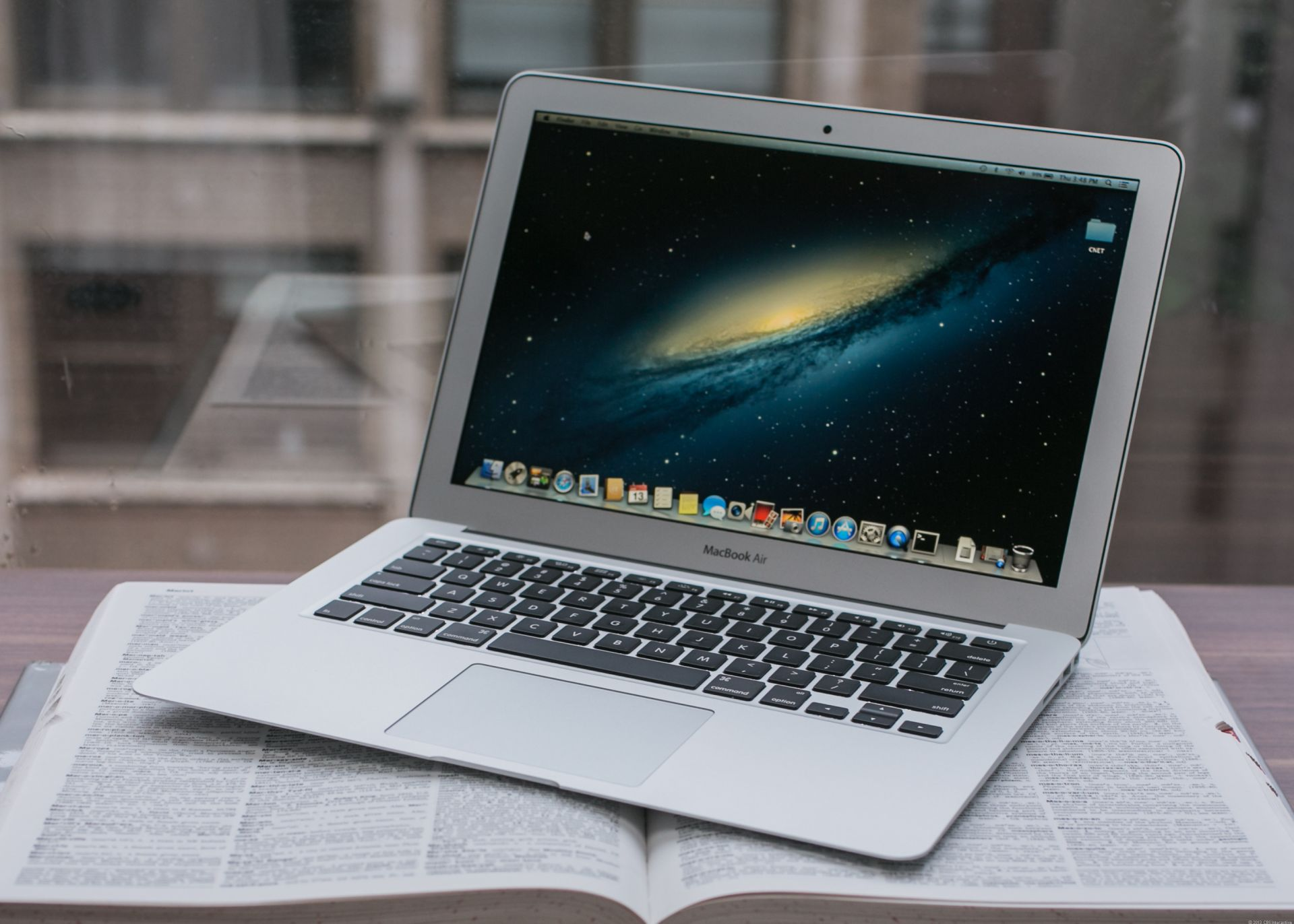 apple macbook air 13 zoll im test kaum neuerungen aber extrem ausdauernd. Black Bedroom Furniture Sets. Home Design Ideas