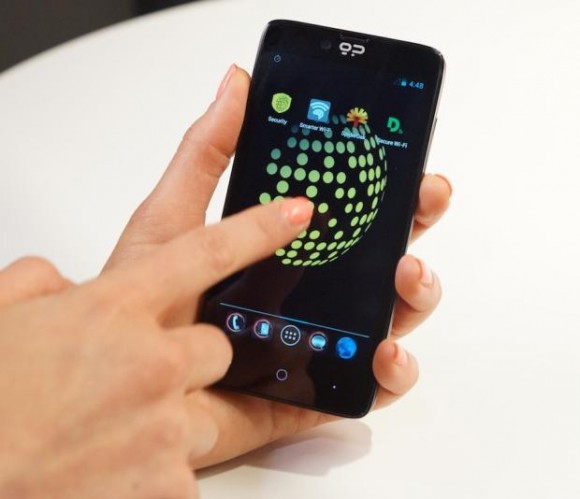 Blackphone (Foto: CNET).