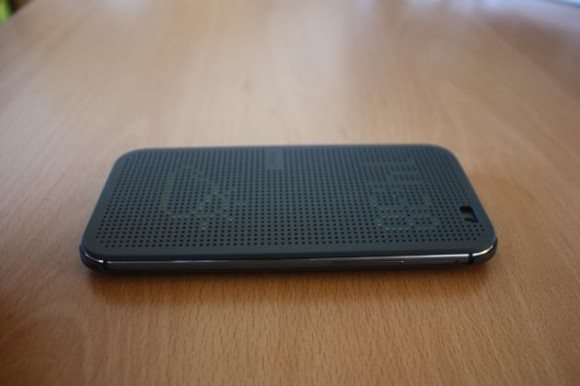HTC One M8: HTC Dot View Cover im Detail