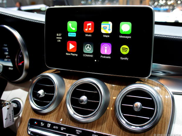 apple ios in the car mercedes benz demonstriert carplay