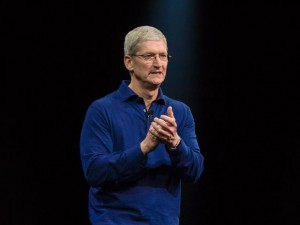 Nun greift auch Apple-Chef Tim Cook Facebook an