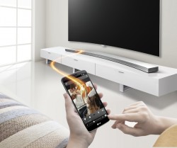 Curved Music Flow Soundbar LG HS8 (Bild: LG)
