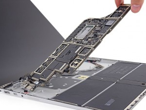 Nicht reparierbar: iFixit gibt Microsofts Surface Laptop miserable Note